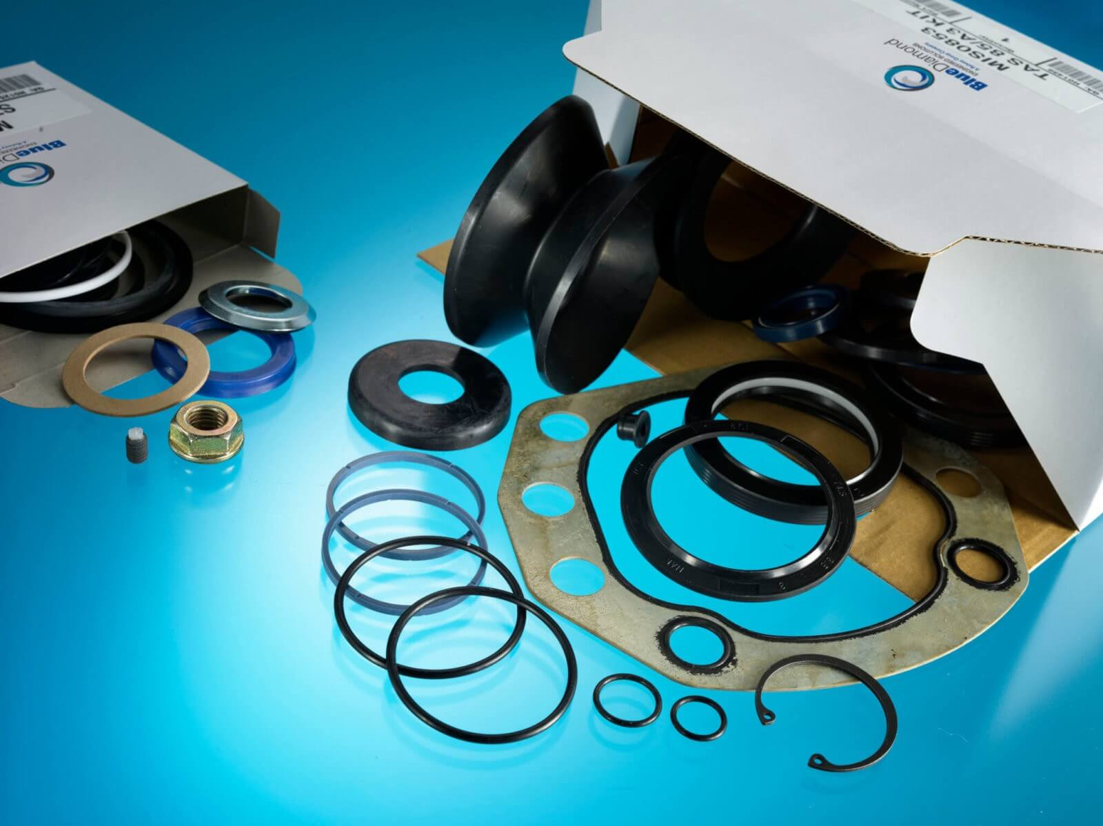 Automotive Parts Multi component kit. Circlips, O-Rings, Nuts and Bolts in a component kit box