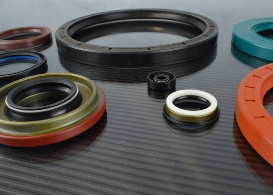 Small and Large Industrial Seals and Oil Seals